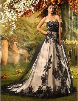 Black detail wedding dress
