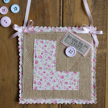 Rustic chic L plate for hen party from thehenplanner.com