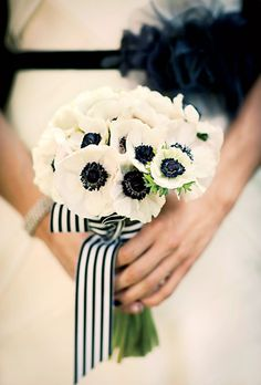 Monochrome wedding ideas black and white wedding flowers