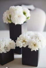 Monochrome wedding ideas table decor black vase white flowers