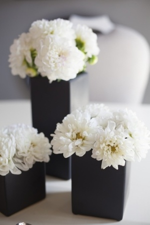 Monochrome wedding ideas table decor black vase white flowers