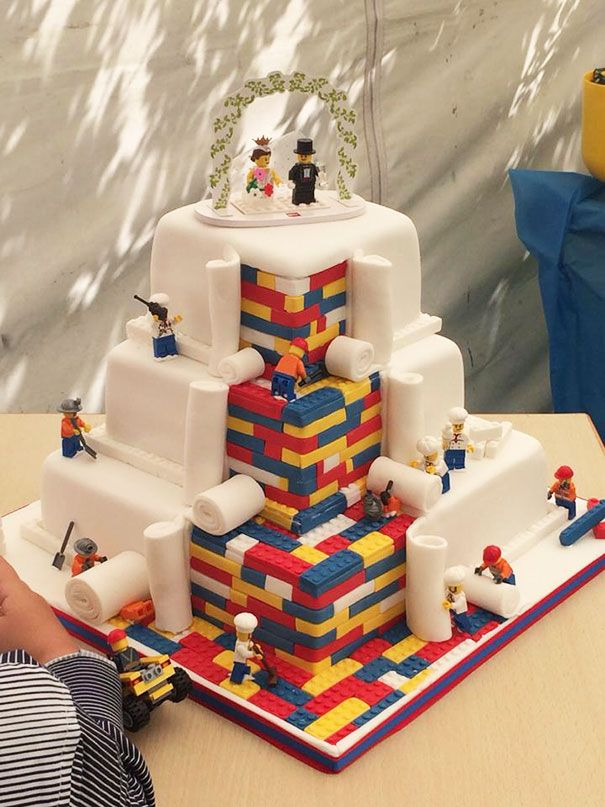 Geek chic wedding cakes Lego