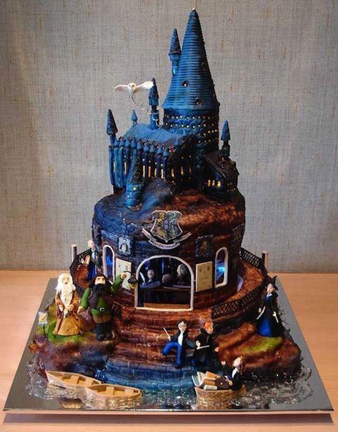 Geek chic wedding cakes Harry Potter