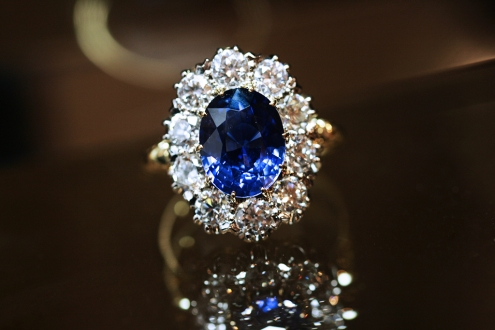 CM Weldon Sapphire and Diamond Cluster Ring http://cmweldon.ie/product/sapphire-and-diamond-cluster-2/